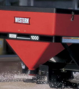 Western 1000 Low Profile Tailgate Spreader With Wireless Remote controller